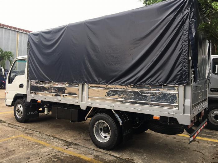 giá xe tải jac 2t4 động cơ isuzu thùng dài 4m4-trả trước 80 triệu 3