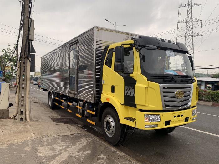 xe tải faw 7.8 tấn thùng dài 9m7-trả trước 300tr có xe