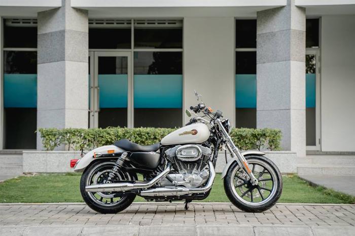 Harley Davidson Supper Low 883cc Chính Hãng 100%