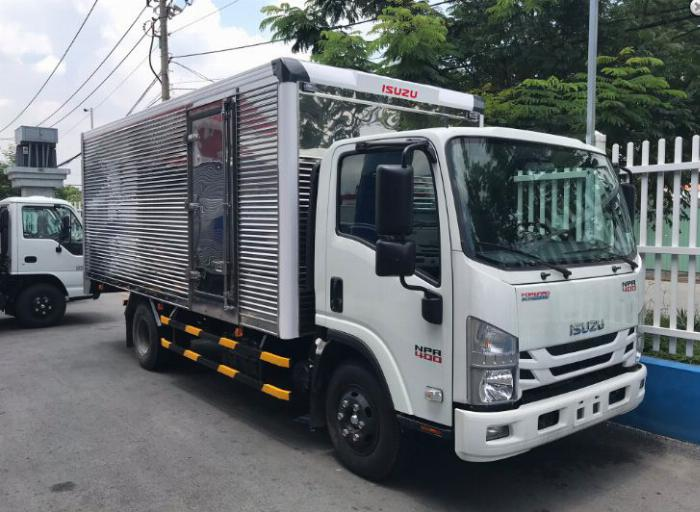 Giá xe tải Isuzu 1.850kg Thùng kín 4.4m  Ô Tô Phú Mẫn