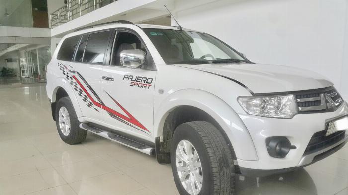 Hãng bán Pajero Sport 2.5MT 1 cầu máy dầu 2016