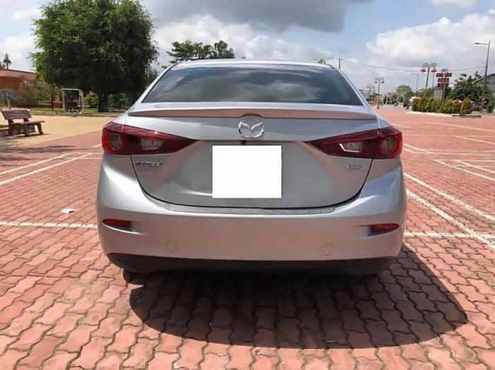 Gia đình cần bán Mazda3, sản xuất 2018, số tự động, màu bạc 1