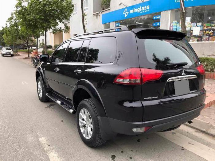 Cần bán xe Mitsubishi Pajero 2017 máy xăng số tự động, màu đen 0