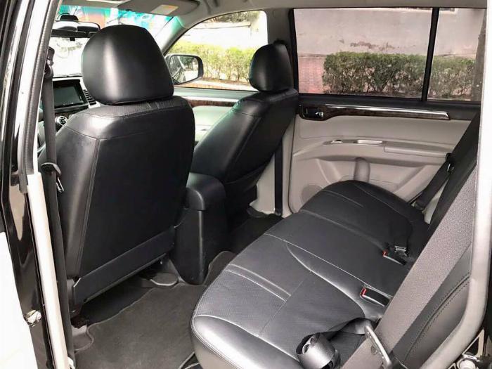 Cần bán xe Mitsubishi Pajero 2017 máy xăng số tự động, màu đen 4
