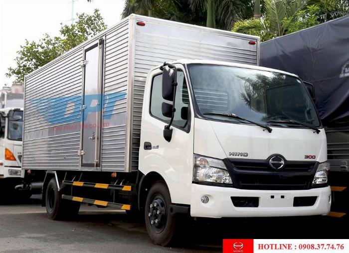 xe tải hino 3.5 tấn thùng dài 5m3 và 5m7