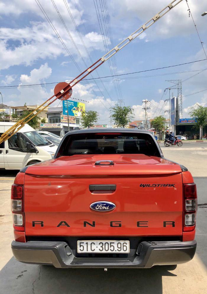 Ranger Wiltrack 2.2L màu đỏ.Xe bán tại hãng Ford