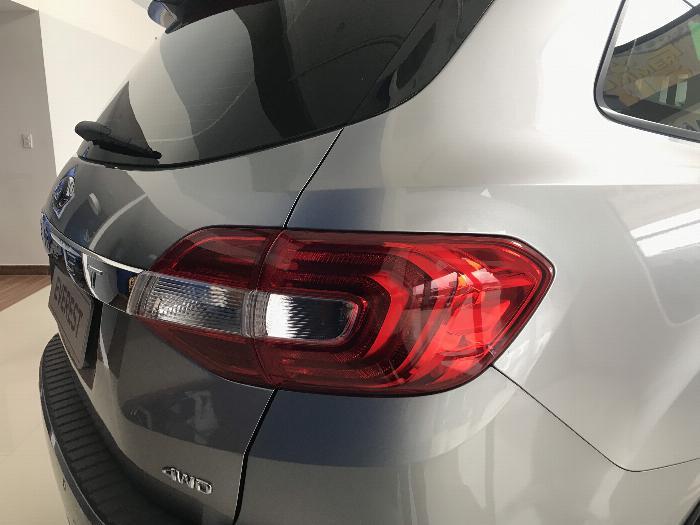 Nhanh tay sở hữu xe Ford Everest 2019 2 cầu mạnh mẻ với giá tốt nhất TPHCM 8
