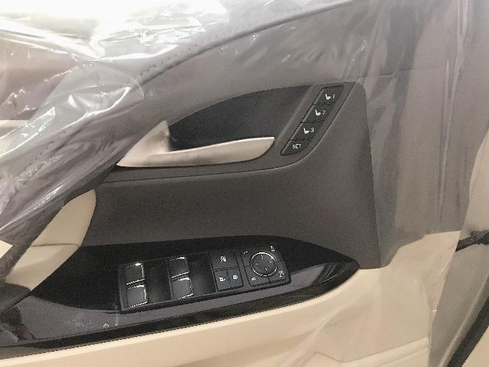Bán Lexus LX57 Nhập Mỹ,màu vàng,sản xuất 2019,mới 100%,xe giao ngay . 10