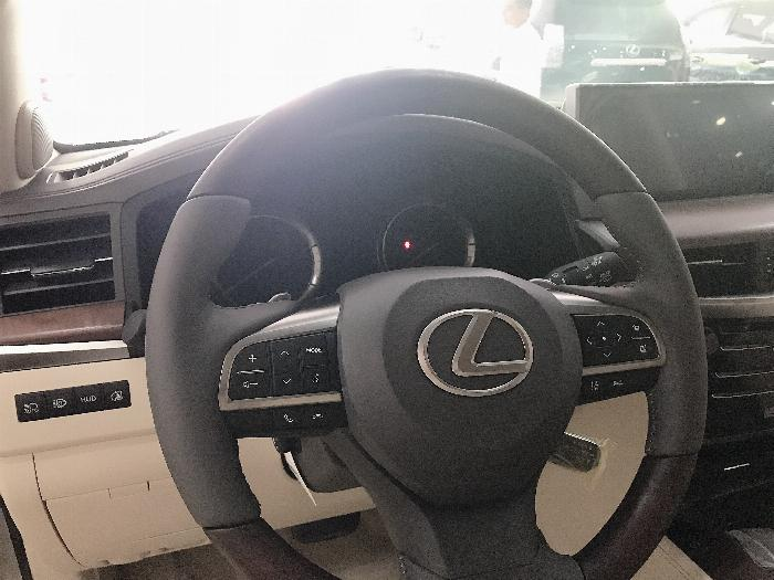 Bán Lexus LX57 Nhập Mỹ,màu vàng,sản xuất 2019,mới 100%,xe giao ngay . 11