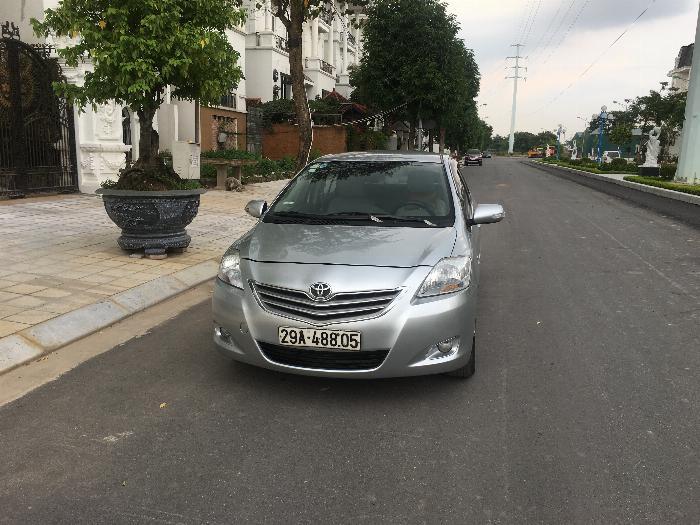 Bán xe TOYOTA VIOS 1.5E xịn, màu ghi bạc, sx cuối 2011, một chủ sử dụng từ đầu