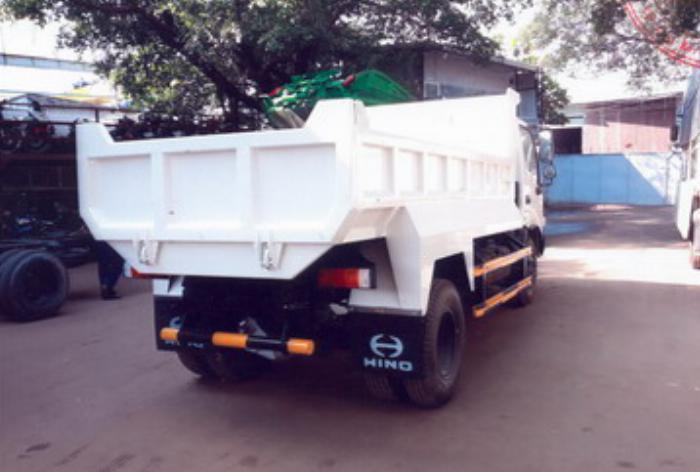 Xe ben Hino XZU342L được nhập khẩu nguyên chiếc 1