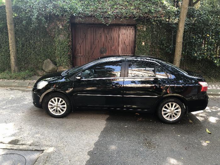 Nhà tôi bán xe TOYOTA VIOS 1.5E màu đen, sx 2011, chính chủ gia đình từ đầu