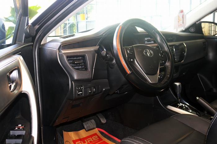Bán  xe Altis 2.0V sx 2014 màu đen, đậm chất thể thao, động cơ mạnh mẽ 2