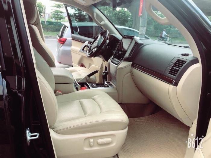 Bán Toyota Land Cruise 4.6.V8,sản xuất và đăng ký 2016,tên cty .Hóa đơn 1.6 tỷ .LH:0906223838 6