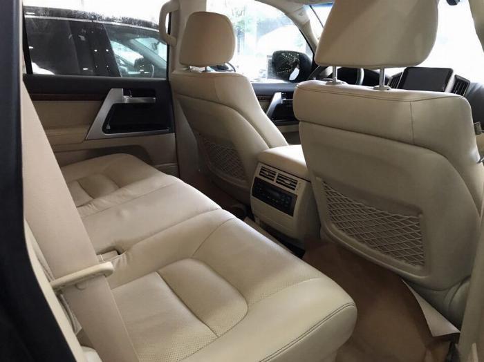 Bán Toyota Land Cruise 4.6.V8,sản xuất và đăng ký 2016,tên cty .Hóa đơn 1.6 tỷ .LH:0906223838 8