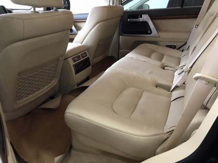Bán Toyota Land Cruise 4.6.V8,sản xuất và đăng ký 2016,tên cty .Hóa đơn 1.6 tỷ .LH:0906223838 9