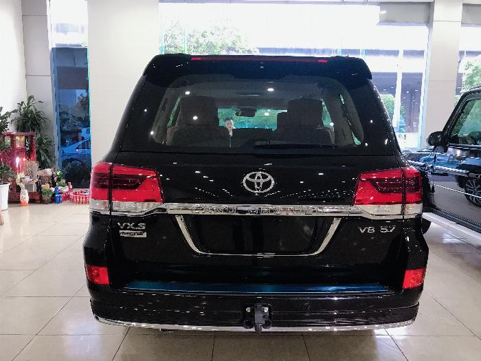 Bán Toyota Land Cruise 5.7 MBS Model 2020 ,4 chỗ ,4 ghế massage siêu Vip,xe giao ngay . 3