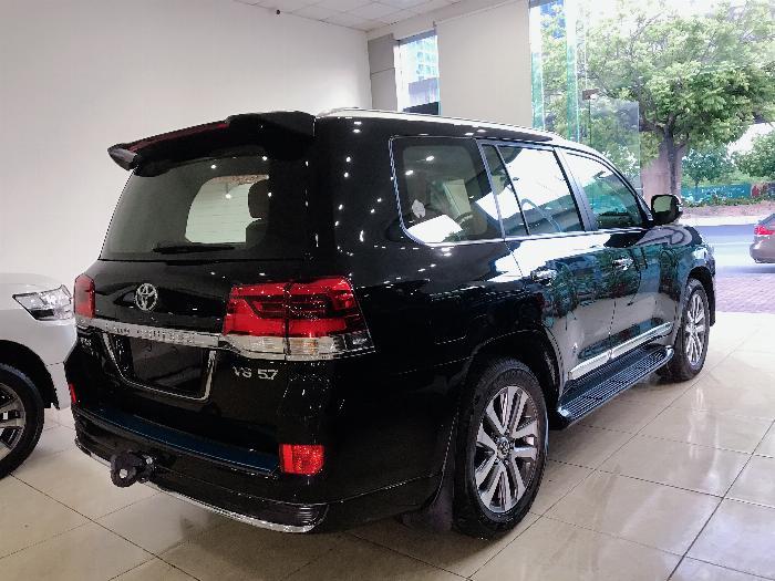 Bán Toyota Land Cruise 5.7 MBS Model 2020 ,4 chỗ ,4 ghế massage siêu Vip,xe giao ngay . 4