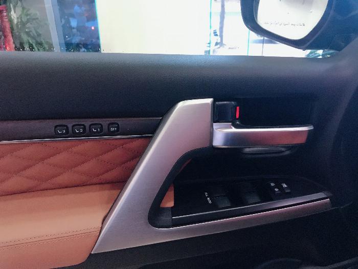 Bán Toyota Land Cruise 5.7 MBS Model 2020 ,4 chỗ ,4 ghế massage siêu Vip,xe giao ngay . 7