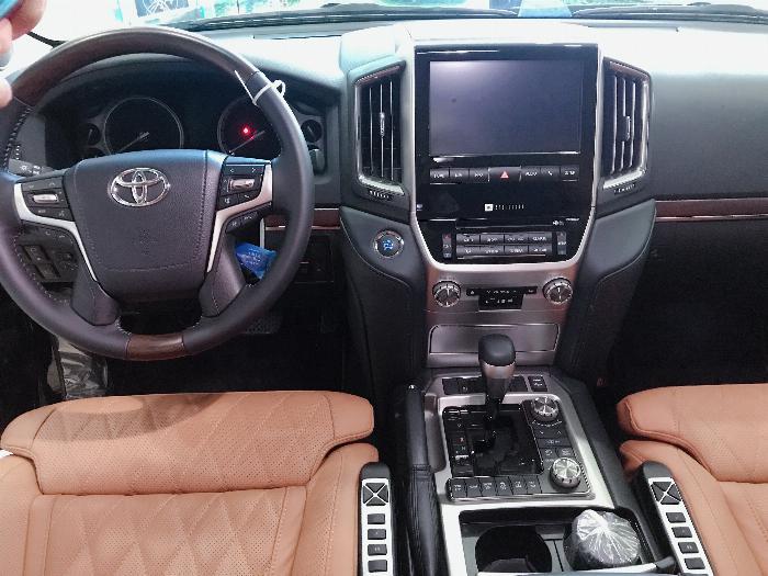 Bán Toyota Land Cruise 5.7 MBS Model 2020 ,4 chỗ ,4 ghế massage siêu Vip,xe giao ngay . 10