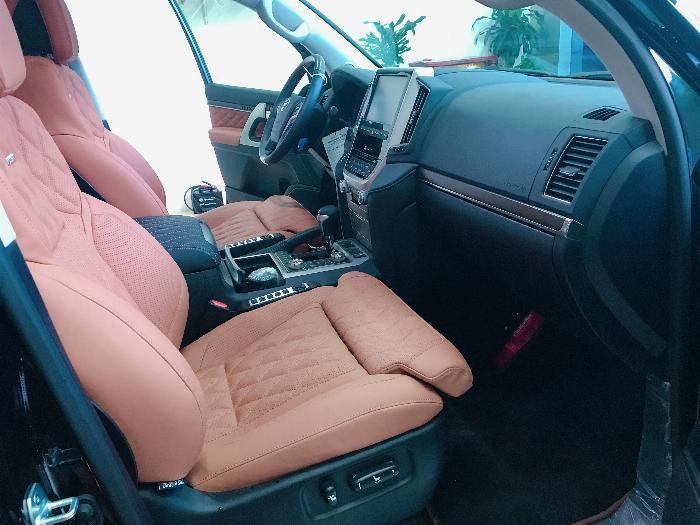 Bán Toyota Land Cruise 5.7 MBS Model 2020 ,4 chỗ ,4 ghế massage siêu Vip,xe giao ngay . 11