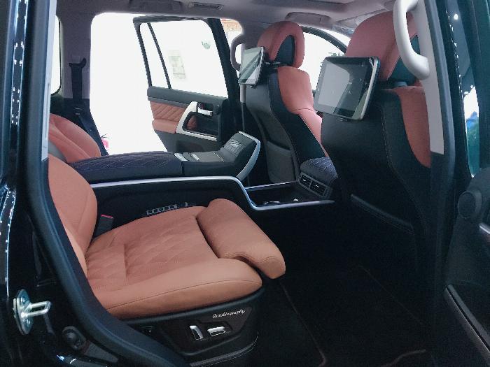 Bán Toyota Land Cruise 5.7 MBS Model 2020 ,4 chỗ ,4 ghế massage siêu Vip,xe giao ngay . 13