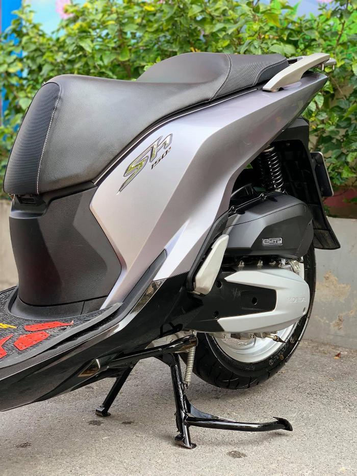 Cần bán SH Việt 150 CBS 2019 màu Bạc đen như mới 9
