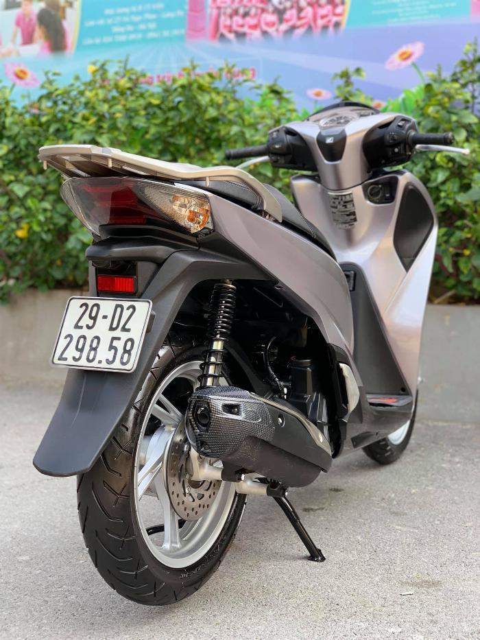 Cần bán SH Việt 150 CBS 2019 màu Bạc đen như mới 4