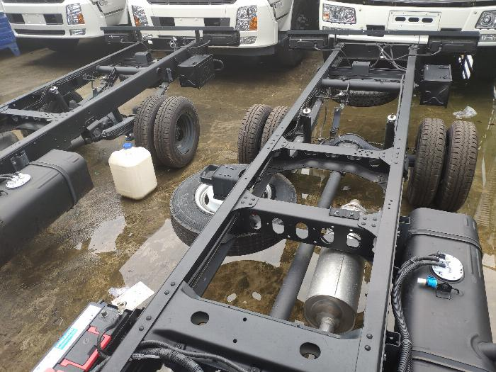 Xe tải thùng N250SL 2.4 tấn 5