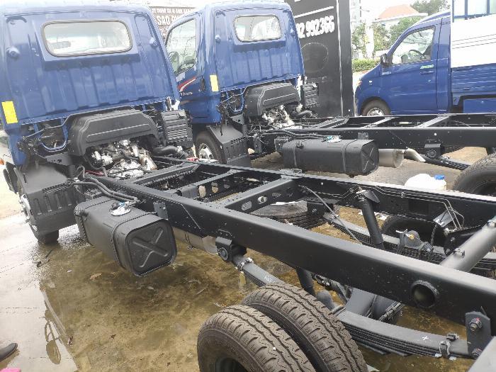 Xe tải thùng N250SL 2.4 tấn 17
