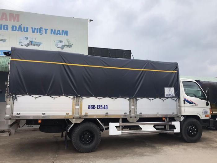 Báo giá xe tải Hyundai Mighty 2017 thùng mui bạt tải trọng 8 tấn, hỗ trợ trả góp 80% 10