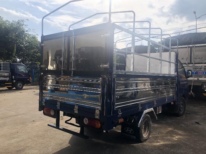 Báo giá xe tải Hyundai H150 thùng mui bạt, hỗ trợ trả góp 80% LS thấp 9