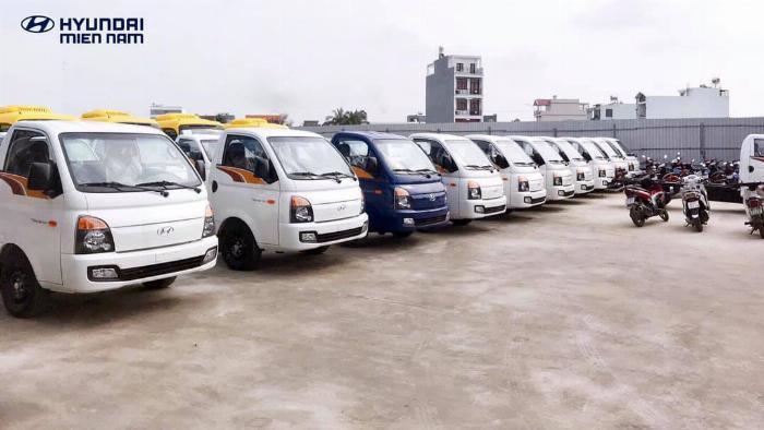 Báo giá xe tải Hyundai H150 thùng mui bạt, hỗ trợ trả góp 80% LS thấp 7