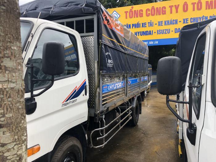 Báo giá xe tải Hyundai Mighty 2017 thùng mui bạt tải trọng 8 tấn, hỗ trợ trả góp 80% 4