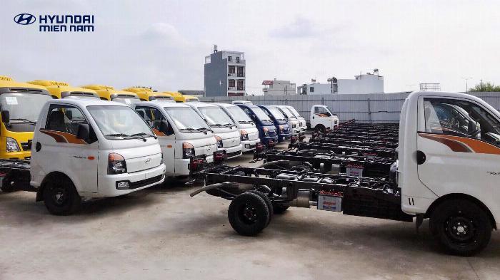 Báo giá xe tải Hyundai H150 thùng mui bạt, hỗ trợ trả góp 80% LS thấp 14
