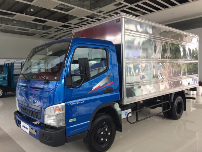 Xe tải Fuso Canter 6.5 Tảo trọng 3,5 tấn thùng 4,4m giá rẻ tại Bình Dương 6