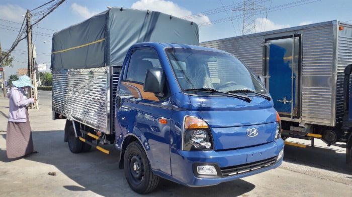 Bán xe Hyundai H150 thùng bạt