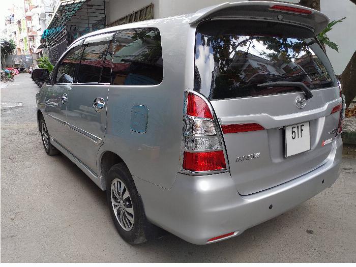 Toyota Innova E đời 2015 Số sàn màu ghi bạc