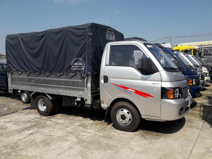 xe tải 1 tấn 490 JAC thùng dài 3 mét 2 giá hấp dẫn