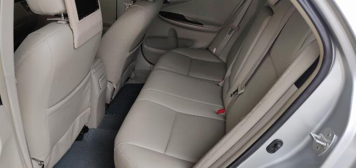 Cần bán gấp Toyota Corolla Altis 2.0V màu Bạc đời 2011 5
