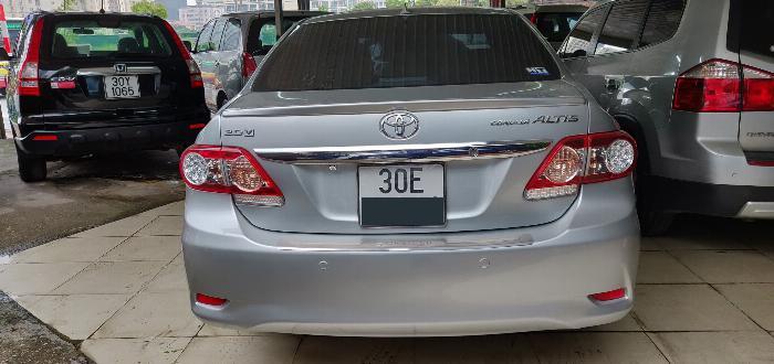 Cần bán gấp Toyota Corolla Altis 2.0V màu Bạc đời 2011 2