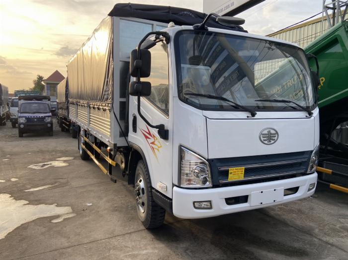 Bán xe tải FAw Ga cơ 7 tấn 2 chở hàng nặng quá tải tại bình Dương