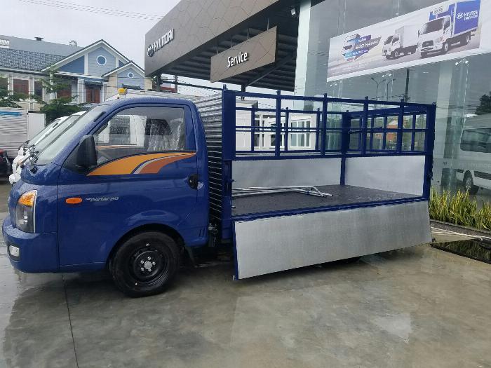 Hyundai H150 thùng mui bạt