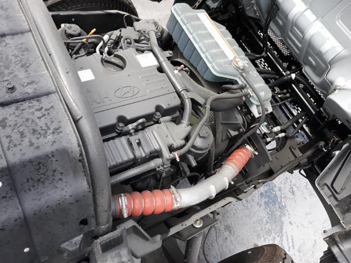Xe Tải Hyundai 2,4 Tấn (New mighty N250SL). Thùng Bạt Bửng Nâng 5