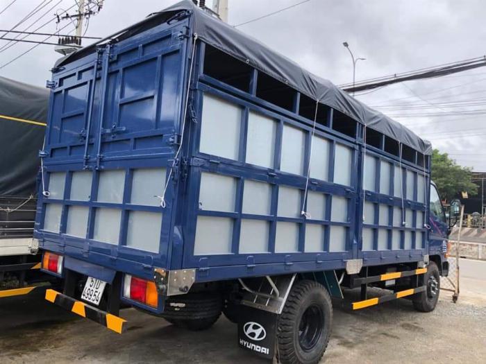 Xe tải Hyundai 8 tấn( Ga cơ mạnh mẹ) . Thùng chở gạch 2