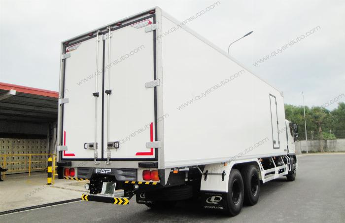 Giá xe tải Hino FL ( Thùng Đông Lạnh Quyền ). Tải 15 tấn 3