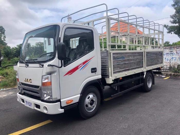 xe tải jac 1,9 tấn thùng 4,3 mét giá thanh lí 0357764053 Mr Trí