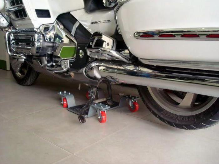 Bệ nâng xe motor phân khối lớn, xoay xe nhẹ nhàng 5