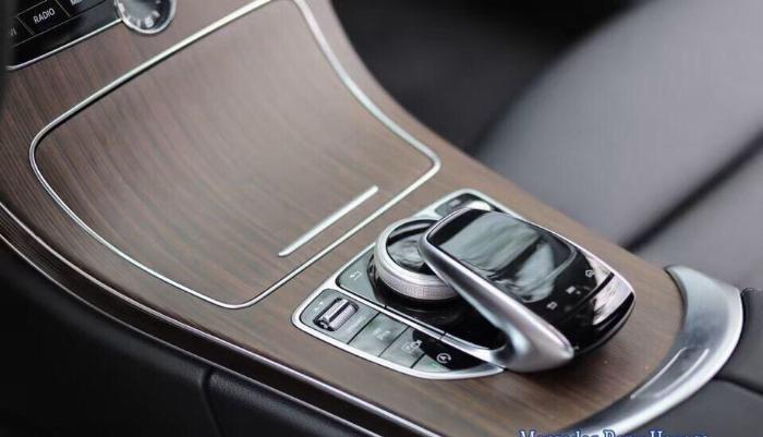 Mercedes C200 Exclusive - Ưu Đãi Lên Đến 100 Triệu 11