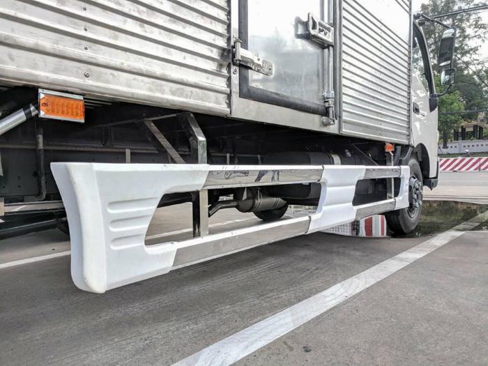 Bán xe tải Hino XZU730L 4,9 tấn thùng kín giá ưu đãi 3